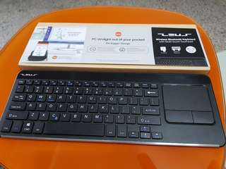 Zeus Wireless Bluetooth Keyboard with Multi-touch Touchpad