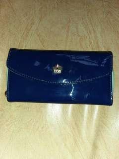 Looking good wallet