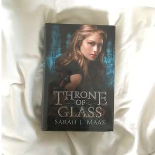 Throne of Glass by Sarah J Maas (hardcover)