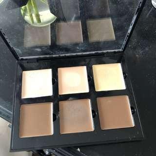 ABH cream contour palette in light