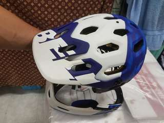 Bell super 3r mips (large) white and blue