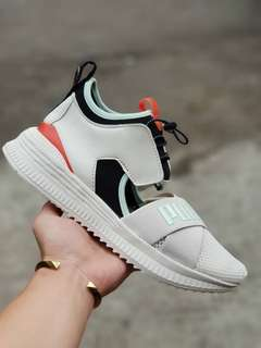 Sepatu puma fenty avid trainer