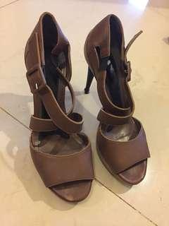 Sepatu MARNI 38