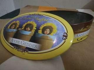 Original Anne Geddes Maitre Truffout Tin