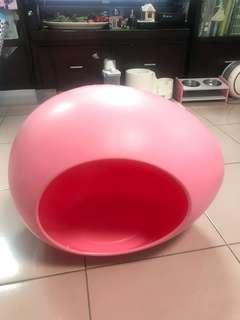 🚚 粉紅色塑膠寵物阿貓阿狗蛋窩