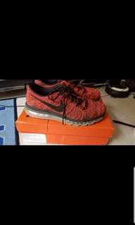Nike flyknit Air Max. Harga Asli 2,4. Dijual Murah Bgt.