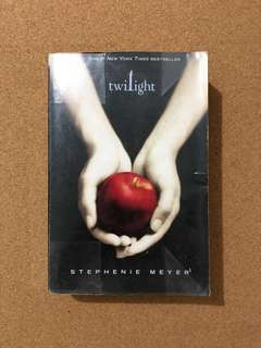 Twilight (Novel by Stephenie Meyer)