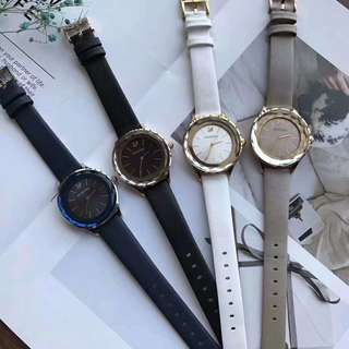 專櫃正品原裝施華洛世奇Octea Nova系列,時刻展現璀璨耀眼的光彩。表圈及表面以單件藍寶石水晶精心製作,帶有68個閃亮迷人的切割面,彰顯出施華洛世奇的超凡工藝。線條簡潔的玫瑰金色不銹鋼錶殼,絕美搭配!施華洛世奇女手錶5295358 5295336 5295337 5295349.錶盤表徑36mm