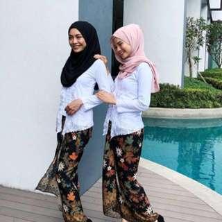 Byhisdaisy white kebaya sulam with batik pario