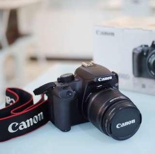 DSLR Canon EOS 1000D