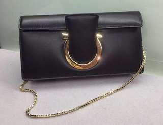 Ferragamo  Gancini Clutch Bag 半價😍 黑色 Real and New