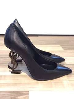 YSL - OPYUM 110 PUMP IN BLACK LEATHER AND GOLD-TONED METAL Real and New 可免費陪同到專門店驗貨