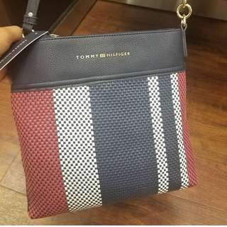 Pre-order: TOMMY HILFIGER CROSSBODY BAG