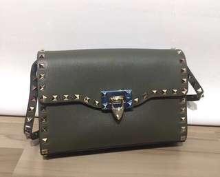 Valentino Garavani Rockstud small sholder bag 100% Real and New 原裝進口 有盒 有保證卡 有後備鉚釘 免費陪同到專門店驗貨