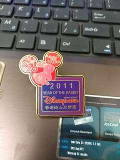 香港迪士尼樂園2011員工限定兔年pin