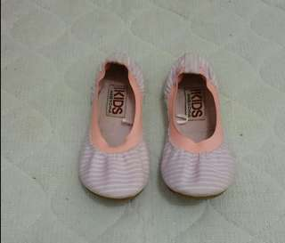 Flat shoes cotton on