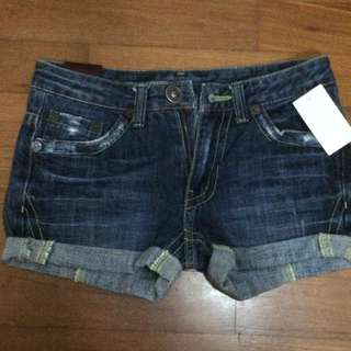 RM 40 for 4 Short Pants