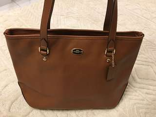Coach tote bag (Brown colour)99%new