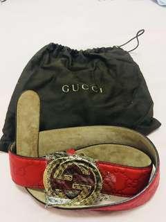GUCCI皮帶9成半新,半價出售