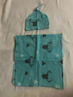 Supersoft swaddles with bonet