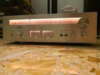 Akai stereo tuner AT-2400
