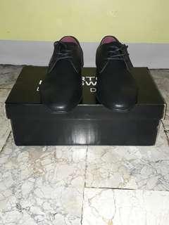 Burton Leather Shoes
