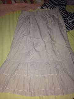 Skirt with some pocket
