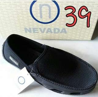 Nevada size 39