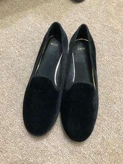 🚚 全新沒穿過Asos黑色絨布樂福鞋尺寸27