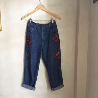 Floral Patched Highwaisted Mom Jeans