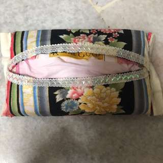 Customade tissue pouch