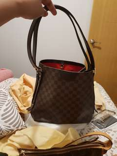 LV DAMIER - PLEASE DONT ASK MORE PICTURES IF YOU'RE NOT SURE GETTING THE BAG
