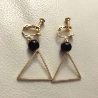 Earrings 時尚三角棕色珠仔夾耳環🔺💖