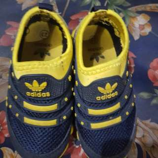 Preloved shoes adidas