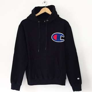 CHAMPION EMBROIDERED BIG LOGO BLACK HOODIE