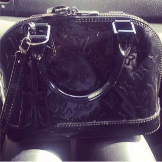 LV Alma BB Black