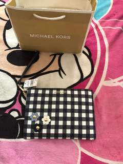 michael kors travelling pouch