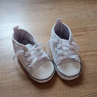 Converse inspired baby prewalker shoe