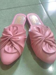 Sandal pita