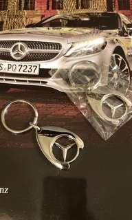 平治 鎖匙扣 $33 一個,$60兩個 包平郵 Mercedes-Benz logo keychain