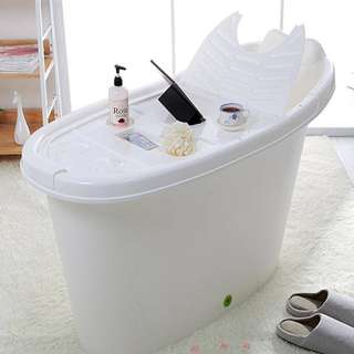SMALL  BATHTUB / HDB / BTO / PORTABLE BATHTUB / PLASTIC BATHTUB