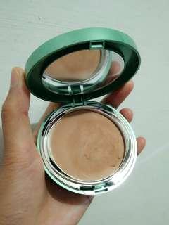 Wardah exclusive luminous creamy foundation