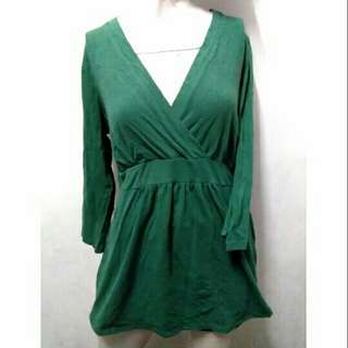 SALE preloved classy green overlap 3/4 cotton stretch top