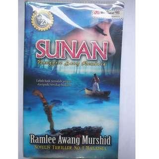 Sunan by Ramlee Awang Murshid