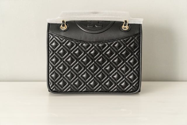 2bf80f15387 BNWT Authentic Black Tory Burch Fleming Medium Quilted Shoulder Bag ...