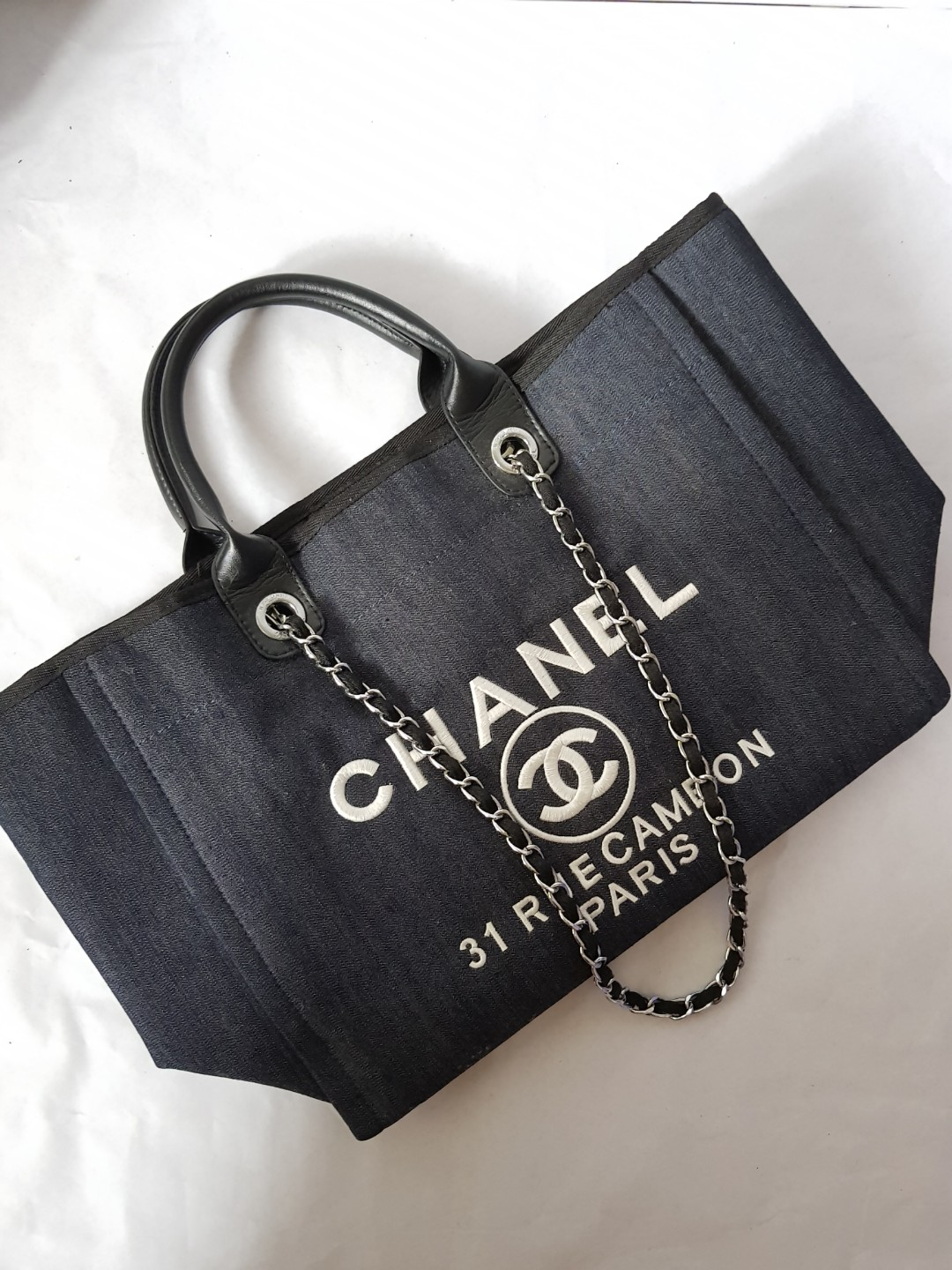 c74fc3831af797 Chanel Denim Bag, Women's Fashion, Bags & Wallets on Carousell