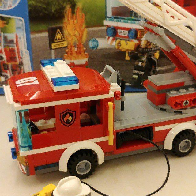 Lego City Fire Ladder Truck 60107 Toys Games Bricks Figurines