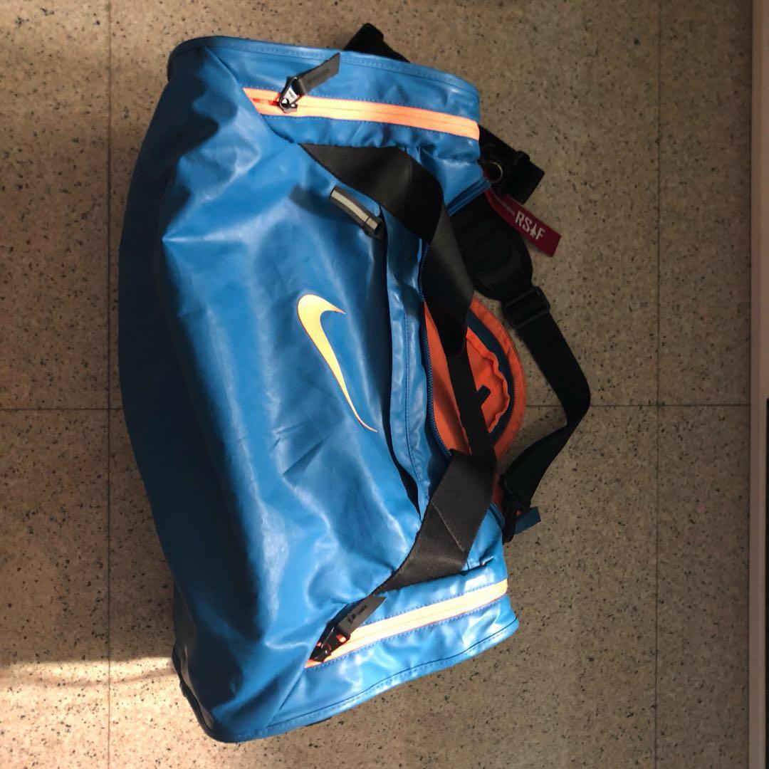 41090e3e6d Nike Air Max Large Duffle Bag