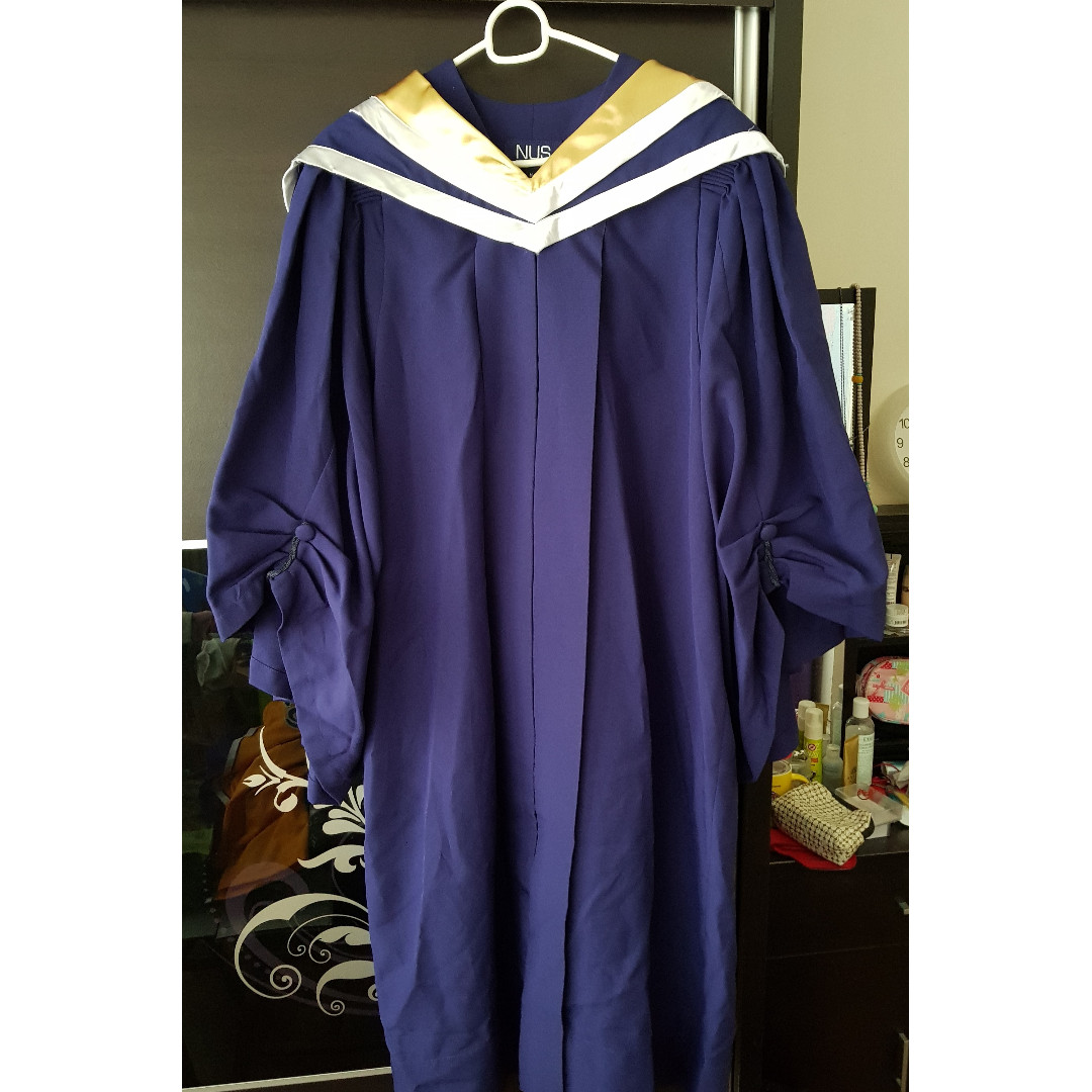 NUS graduation gown M size- Faculty of Engineering, Everything Else ...
