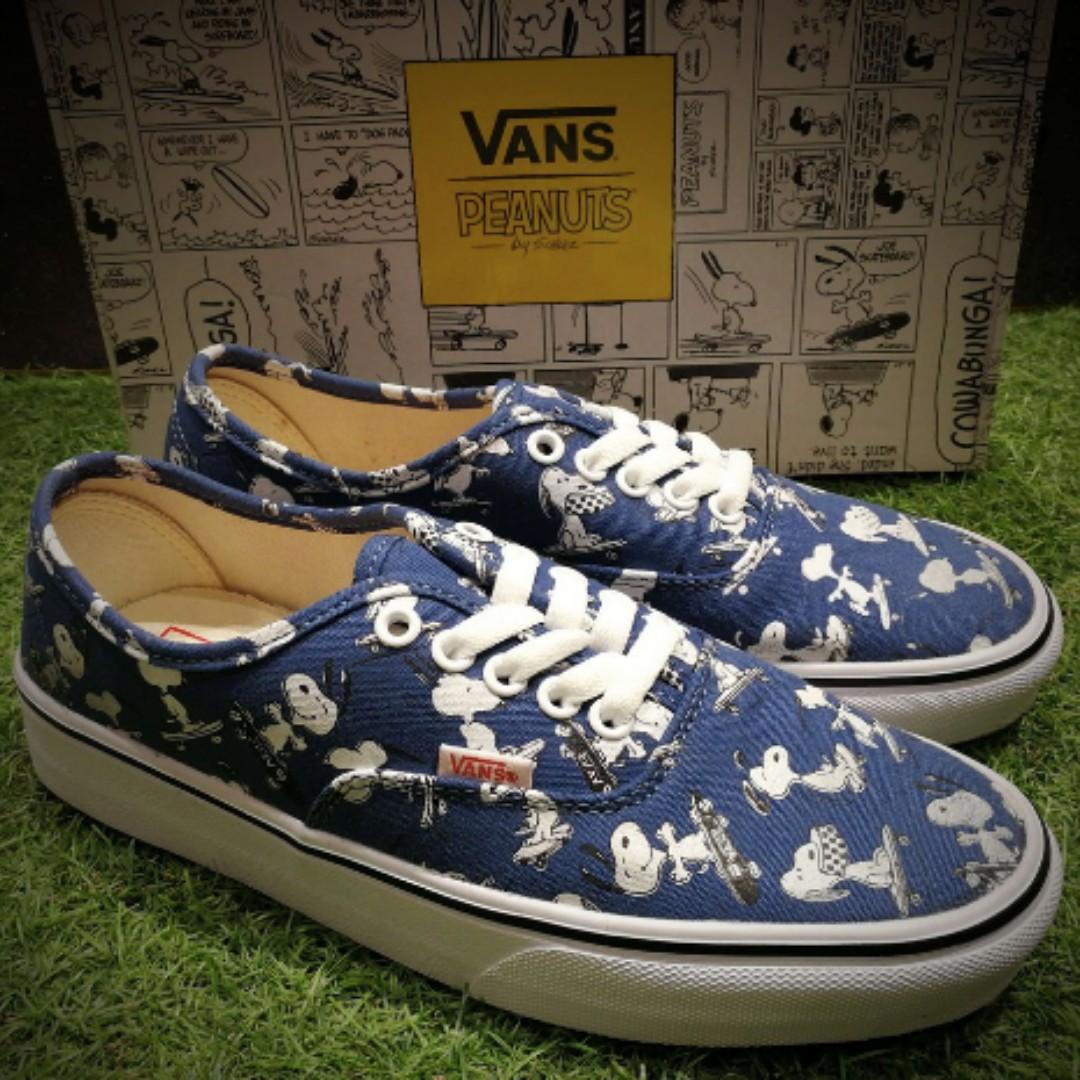 706ee2cbb3a85c Vans X Peanuts Snoopy comics men s and women s shoes